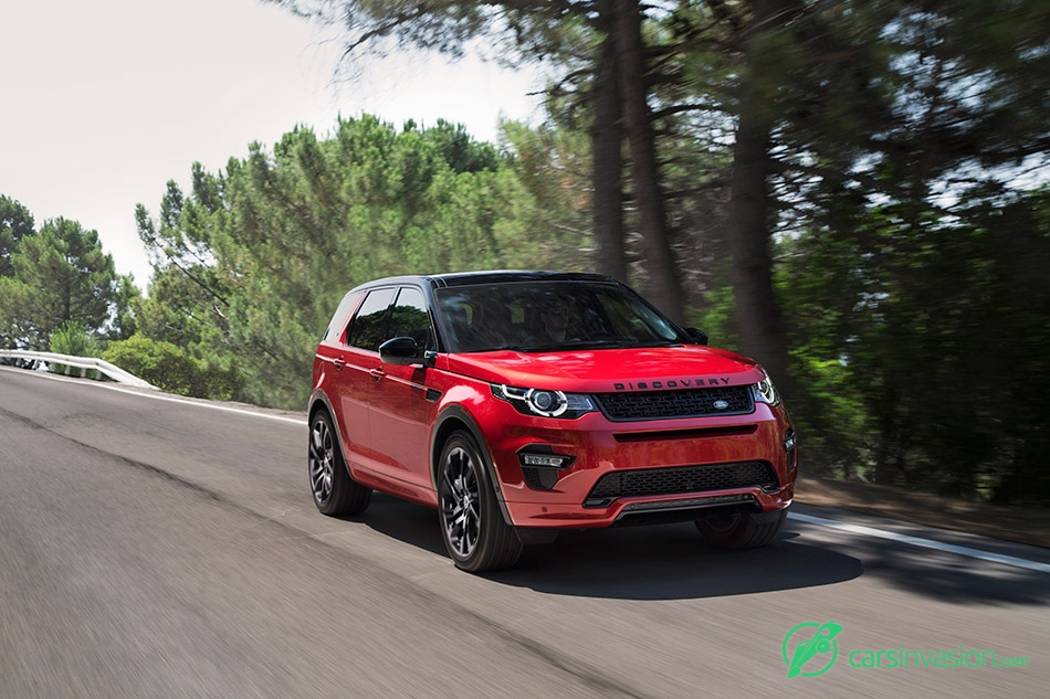 2016 Land Rover Discovery Sport Dynamic Front Angle