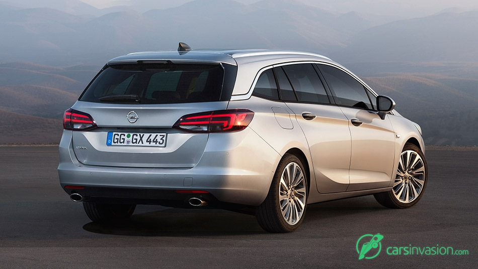 2016 Opel Astra Sports Tourer Rear Angle