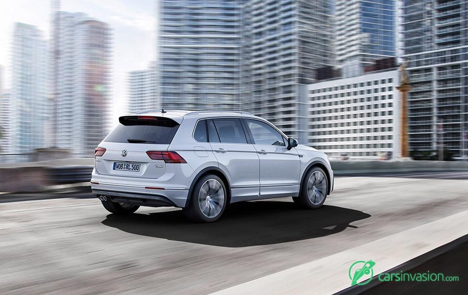 2017 Volkswagen Tiguan Rear Angle