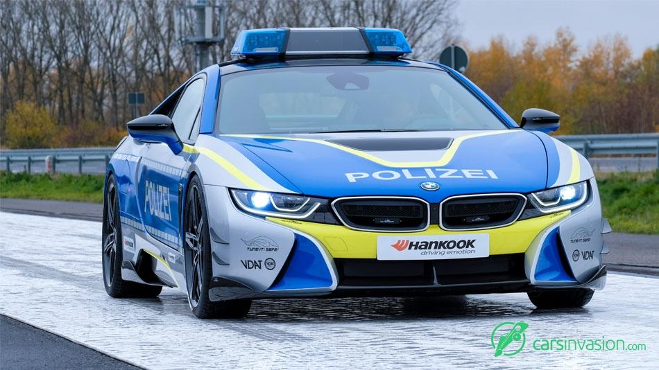 2019-BMW-i8-Police-2