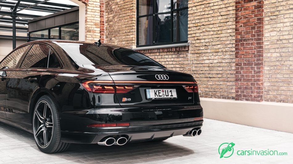 Audi_S83